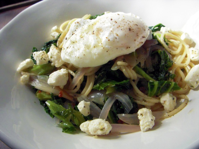 Kale and Poached Egg Spaghetti